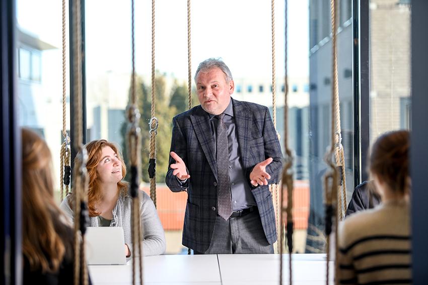 Directeur Willy Smeets vertelt in OnderNamen over nieuwe campus